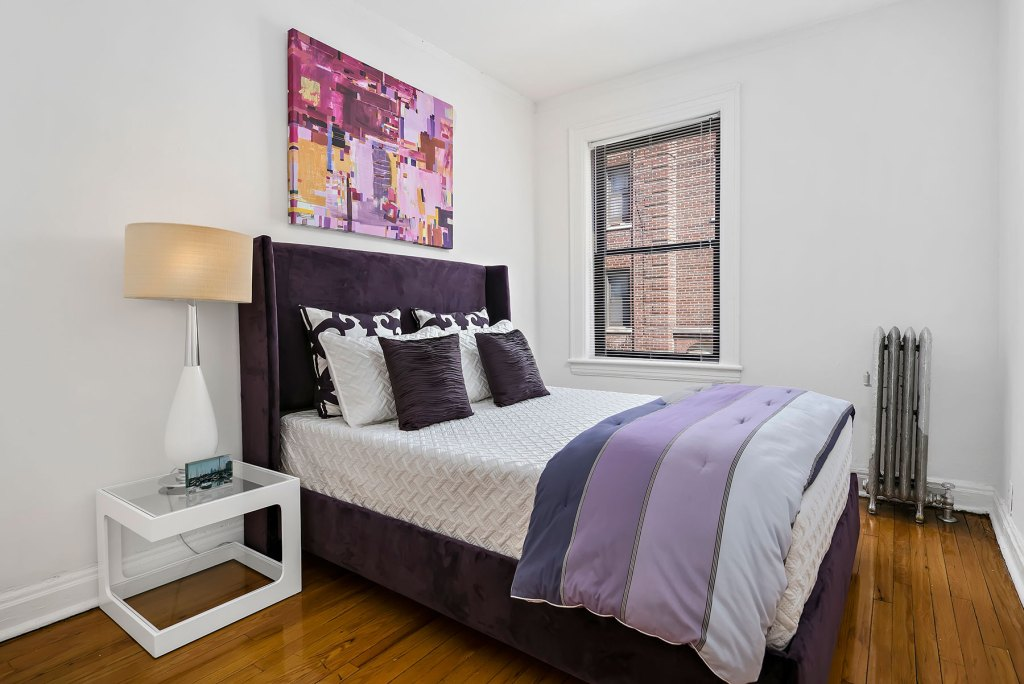 Chicago Apartments, Lakeview, 632 W Addison Bedroom