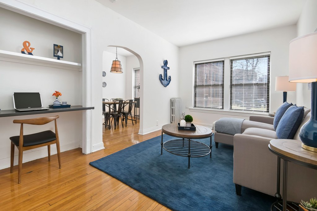Chicago Apartments, Lakeview, 632 W Cornelia One Bedroom