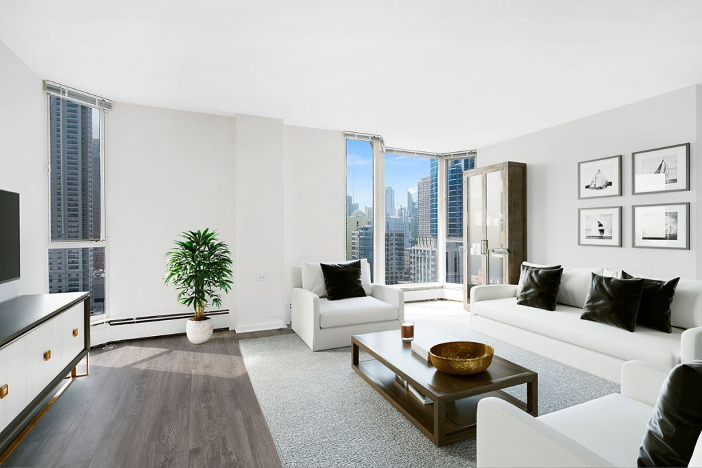 55 W Chestnut Living Room with View Interior Chicago Apartments River North - 2