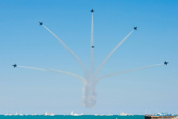 Chicago Apartments, August Events, Chicago Air & Water Show