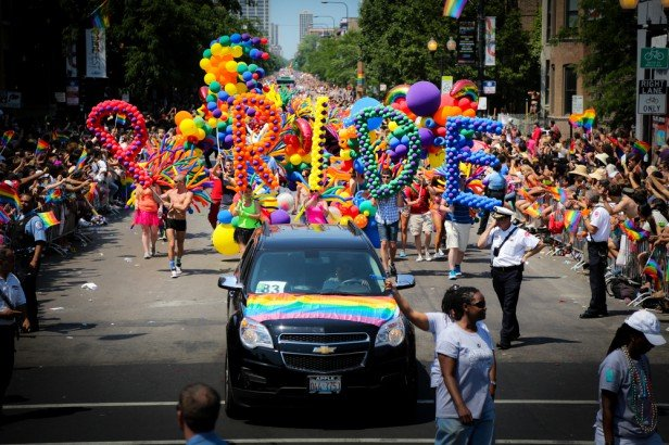 Chicago Apartments, Pride Parade, Boystown