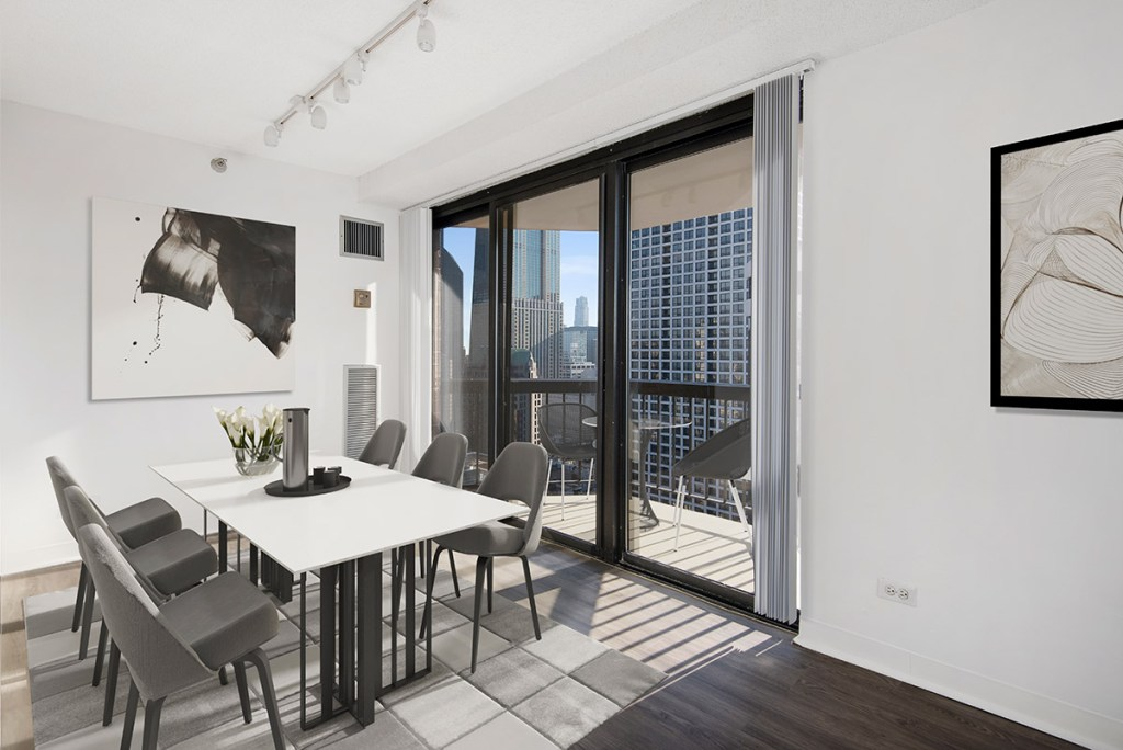 1133 N Dearborn Dining Room with Balcony Interior Chicago Apartments Gold Coast - 2