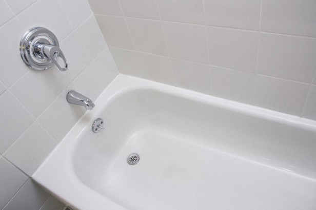 Chicago Apartments, Natural Bathtub Cleaning
