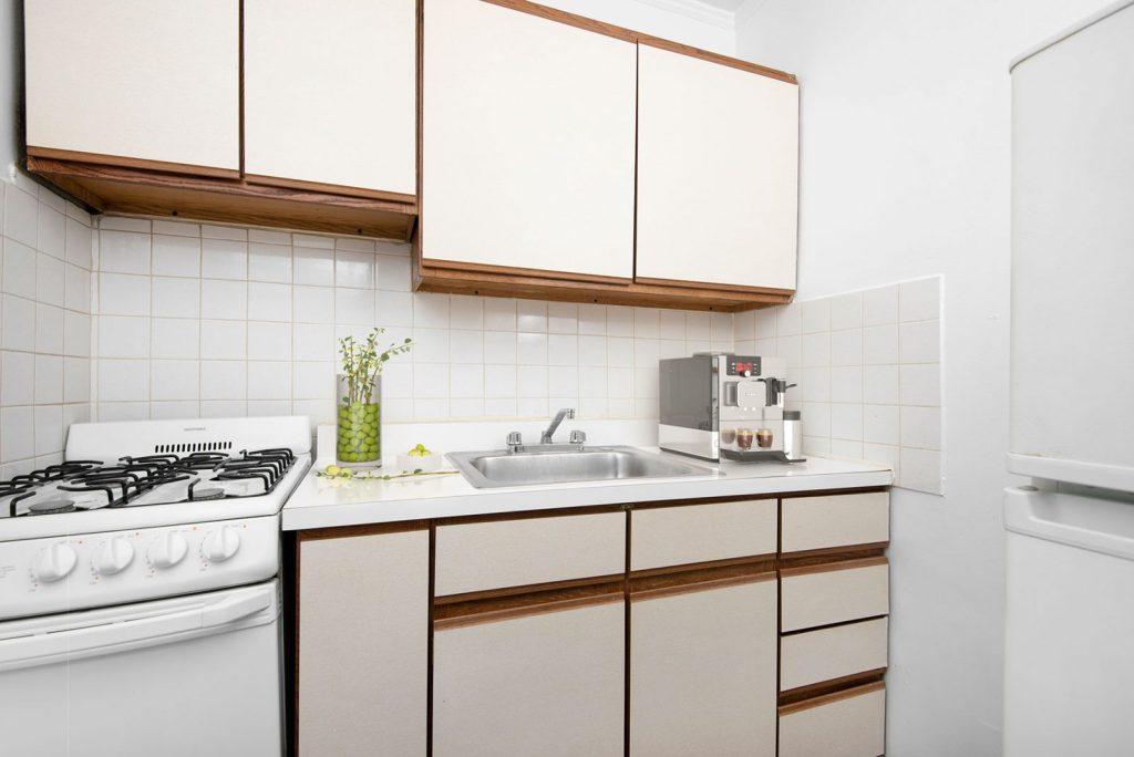 Chicago Apartments, Lakeview, 515 W Briar Kitchen
