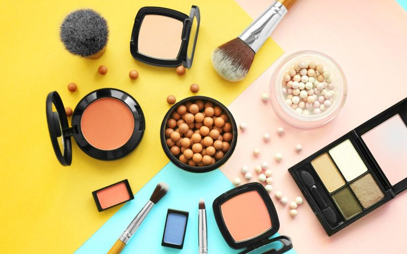 Chicago Apartments, Spring Cleaning, Skincare and Makeup