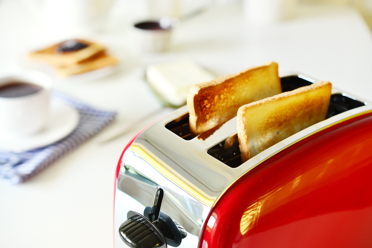 Chicago Apartments, Toaster Cleaning Tips