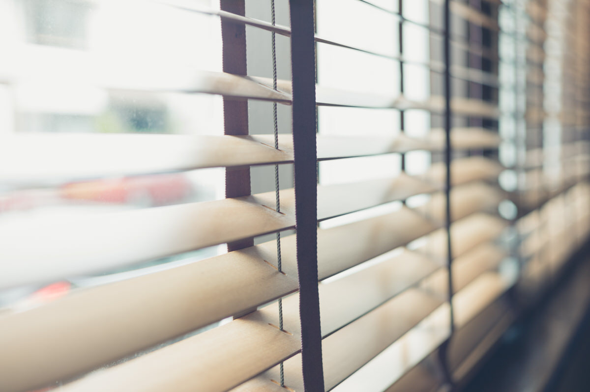 Chicago Apartments, Blinds Cleaning Tips