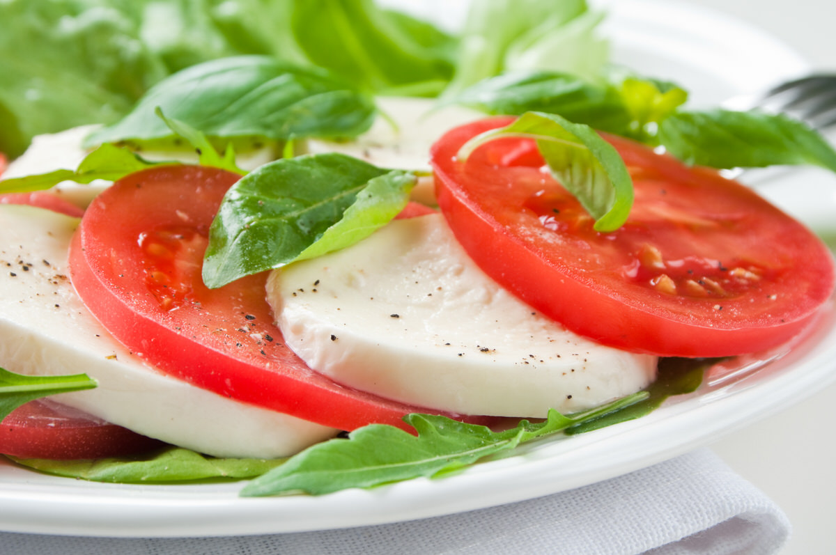 Chicago Apartments, 4th of July Recipes, Caprese Salad Recipe