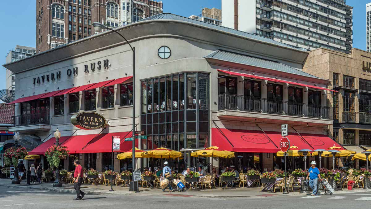 Gold Coast Dining, Chicago Apartments