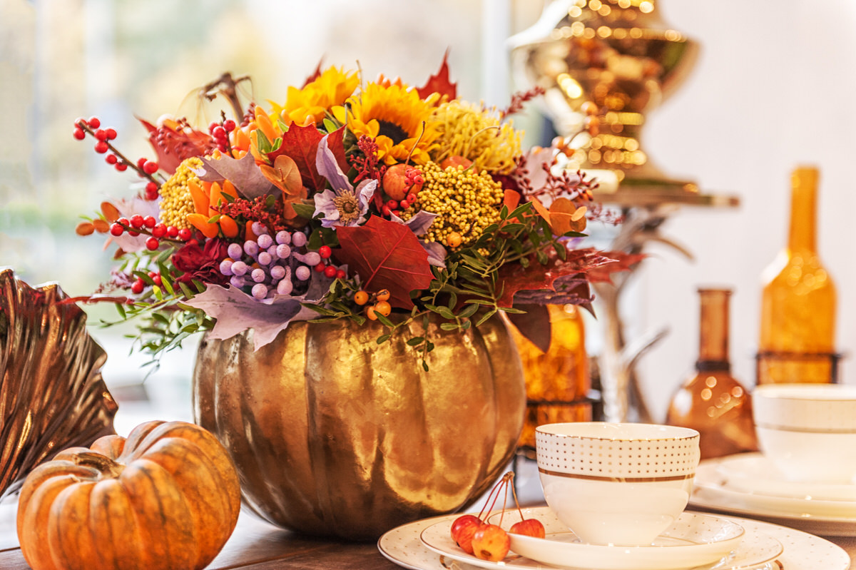 decorating your apartment with fall flowers