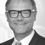 Dr. Stefan Schulze