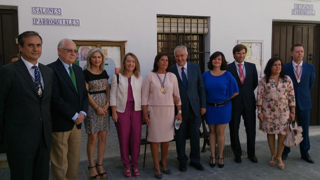 Javier Arenas y Virginia Pérez visitan Palomares del Río