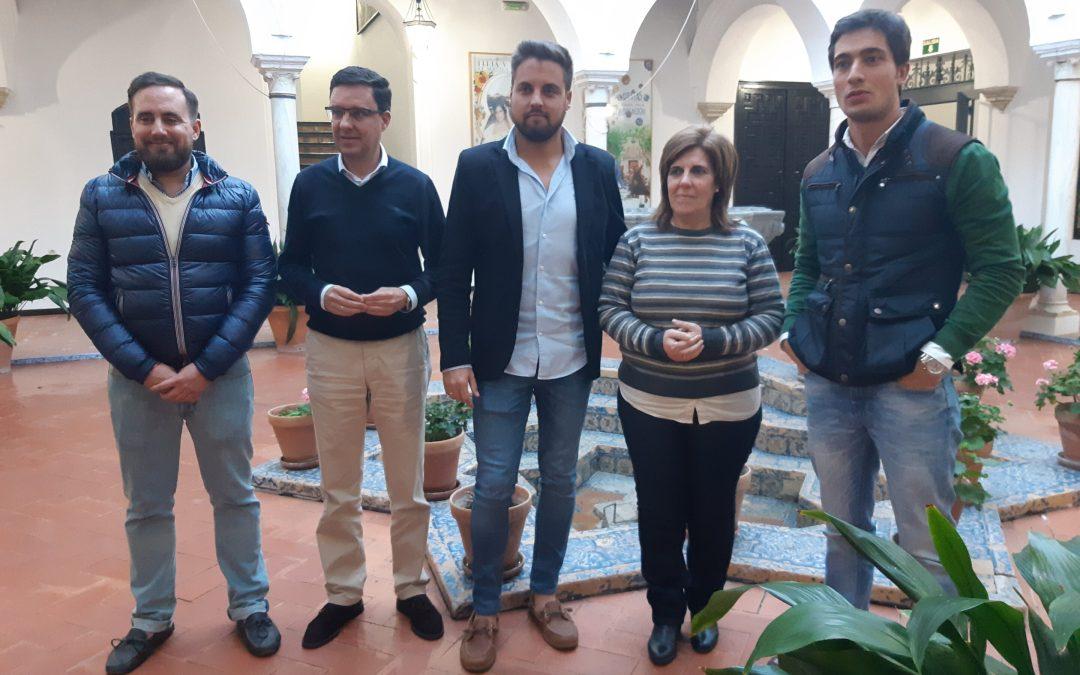 """Juan de la Rosa: """"Utrera debe ocupar un lugar protagonista en la provincia y eso lo hará posible un alcalde y un gobierno andaluz del PP"""""""