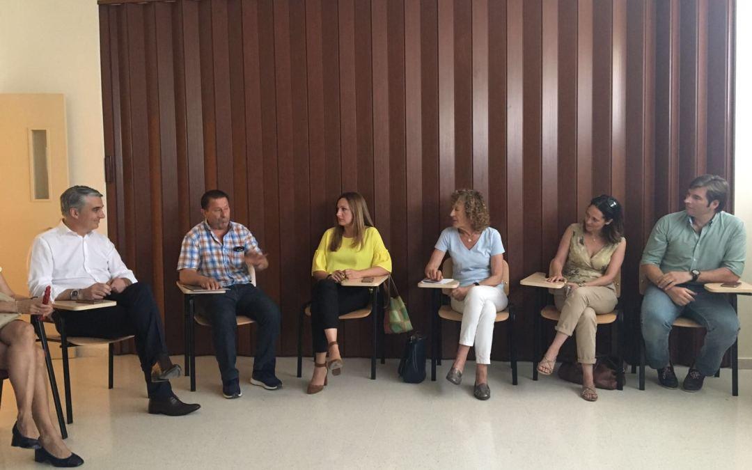 """Virginia Pérez: """"Pediremos a la Junta la concesión de licencia profesional de pesca interior en la provincia y propondremos en el Congreso la Denominación de Origen del Tomate del Bajo Guadalquivir"""""""