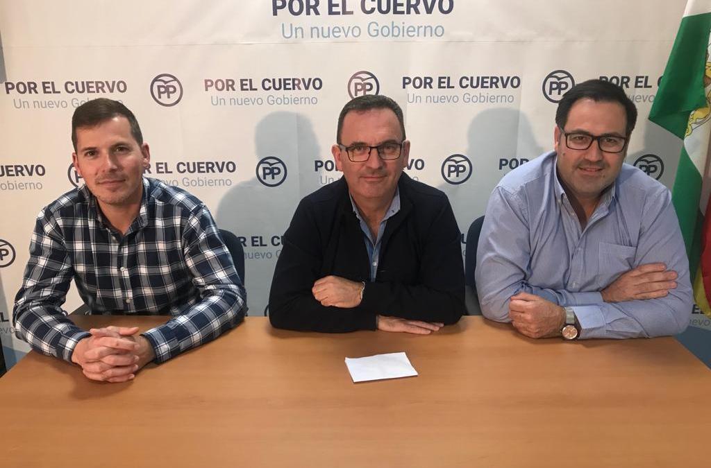 El PP de El Cuervo considera que la crisis de gobierno municipal es ficiticia y acusa al alcalde de narcisista y prepotente