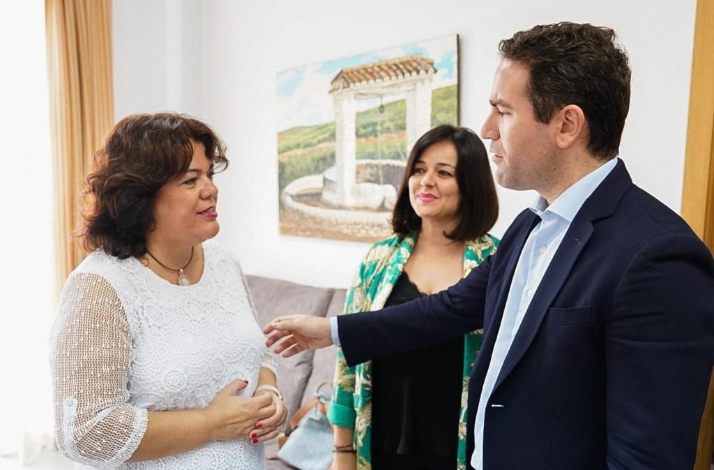 """García-Egea visita Huevar del Aljarafe y critica el """"silencio"""" de Sánchez ante la posible compra de votos en el muncipio"""