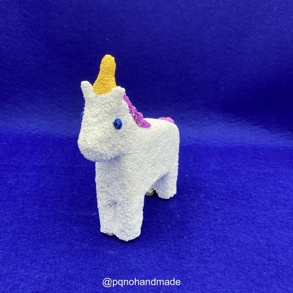 Unicornio foam clay de caballo papel mache de frente manualidades