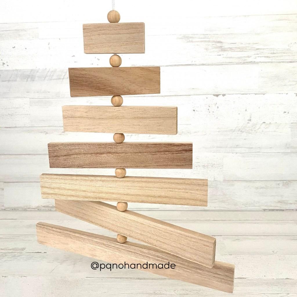 arbol madera colgante