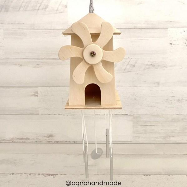 molino-viento-madera-colgante