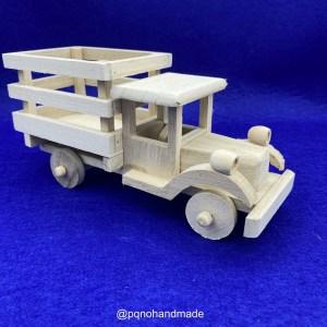 Camión de madera natural para pintar y jugar de lado manualidades