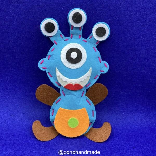 Kit monstruo azul de fieltro para empezar a coser a mano manualidades