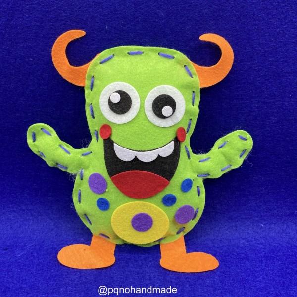 Kit monstruo verde de fieltro para empezar a coser a mano manualidades