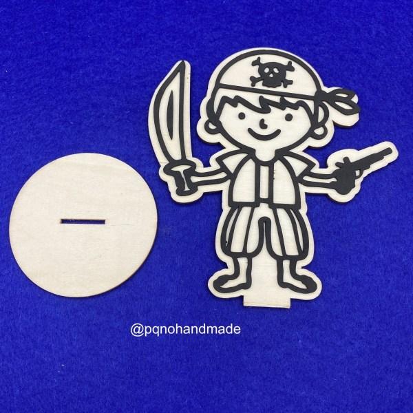 Pirata con pañuelo de madera natural para pintar desmontado manualidades