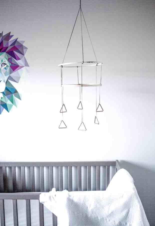 This modern DIY mobile will make any nursery feel a little more custom. And it's so easy!