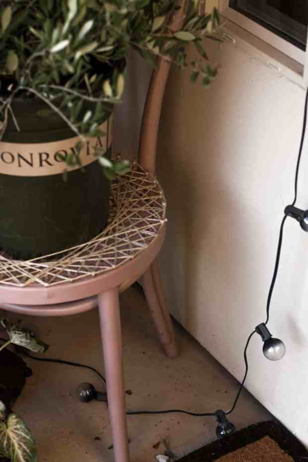 Have a chair in need of a makeover? Why not add a little string art detail and use it as a planter stand or art piece!