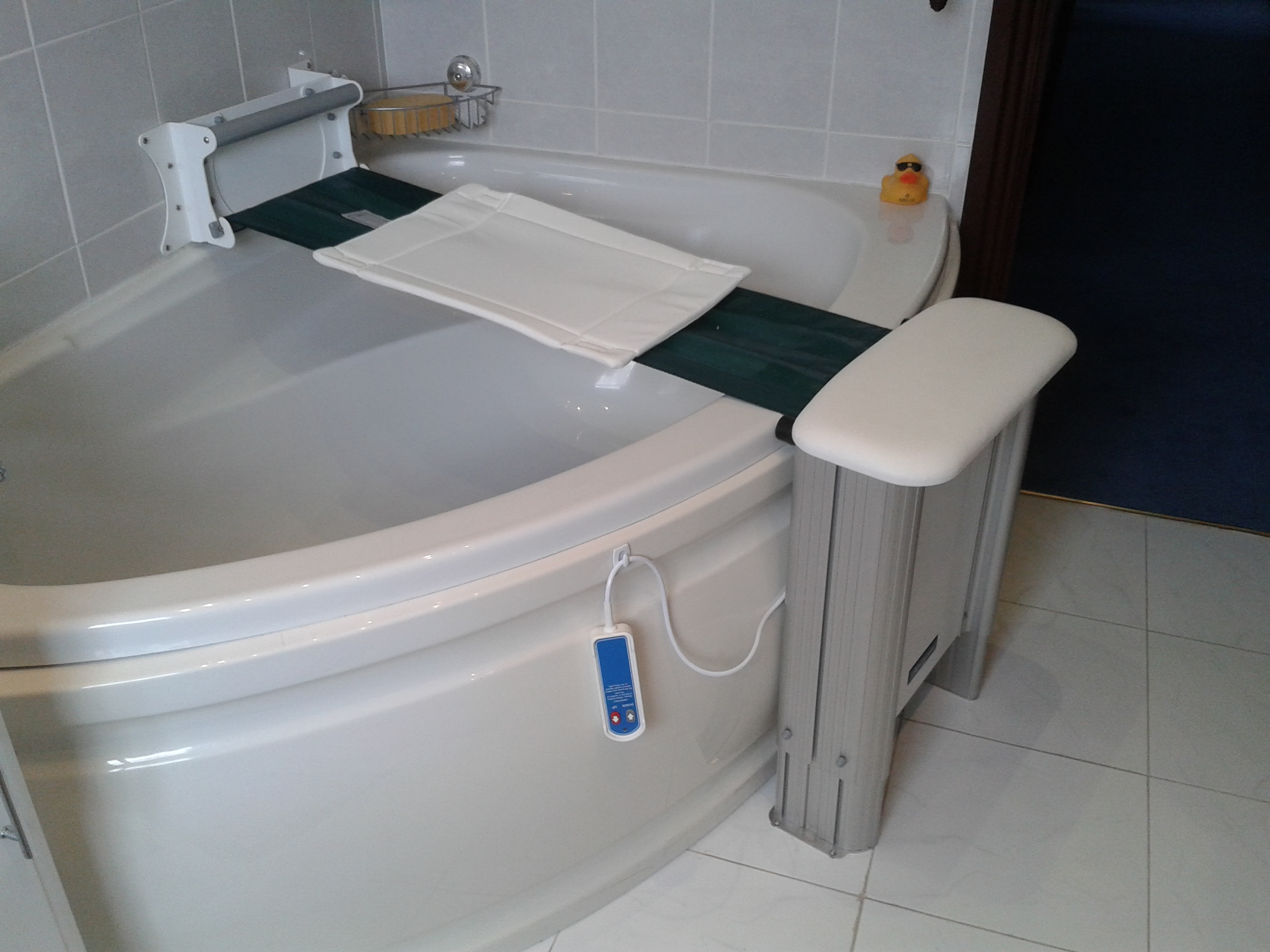 Bath Lift Chair Molly Bather The Easy Way To Enjoy Your Bath