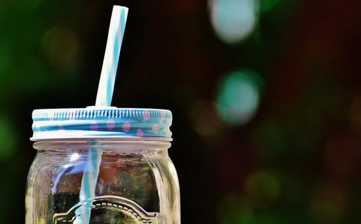 reusable straw sustainable swap
