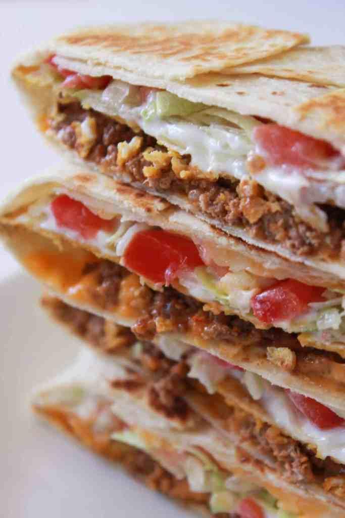 crunchy wrap | crunch wrap supreme | crunch wrap taco bell | crunchy taco | taco bell copy cat recipe | crunch wrap recipe | recipe with tostada shell