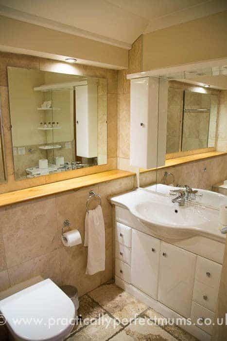 Bathroom at King's Head, Gower Peninsula, Llangenith, Wales
