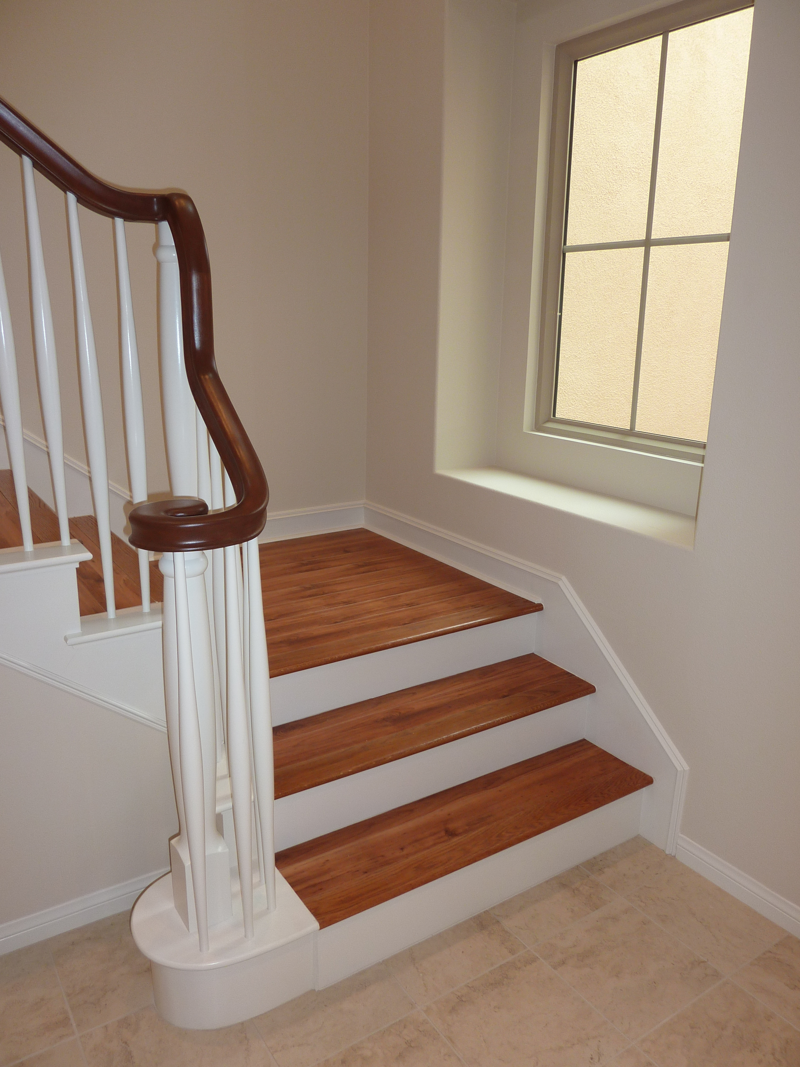 Laminate Flooring: Put Laminate Flooring On Stairs