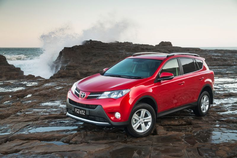 toyota rav4 cruiser review practical motoring. Black Bedroom Furniture Sets. Home Design Ideas