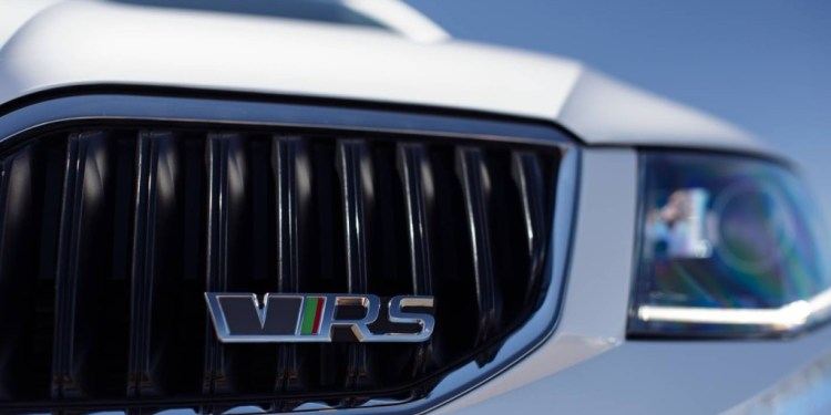Skoda Octavia RS badge