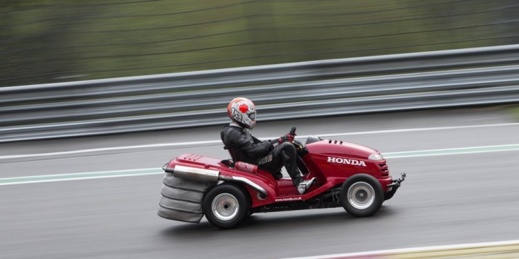 Honda Mean Mower Eau Rouge