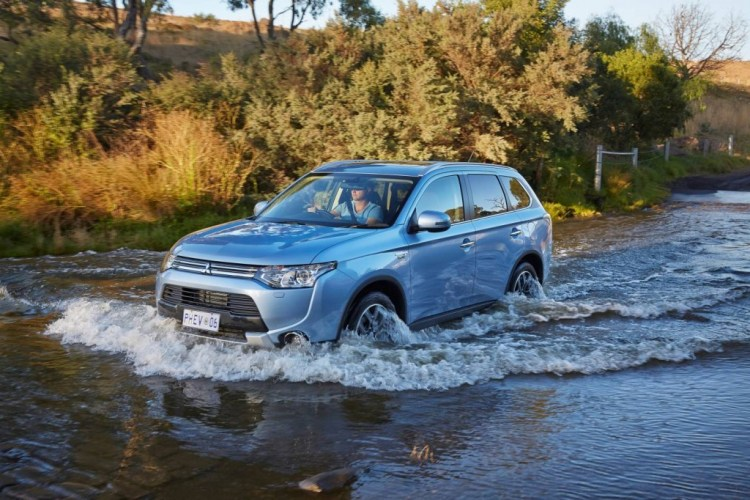 Mitsubishi Outlander PHEV water crossing
