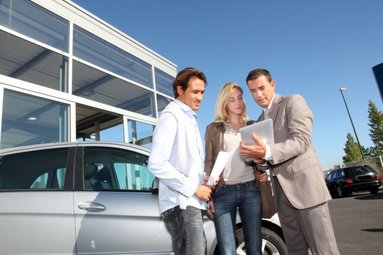 How to avoid the car dealer traps