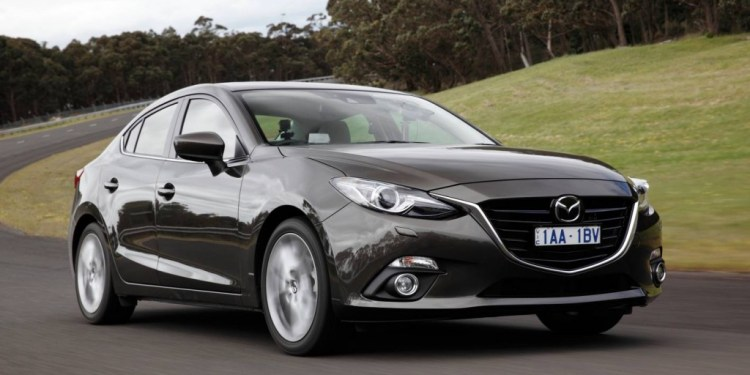 2014 Mazda3 SP25 sedan review