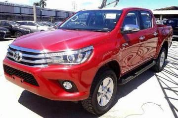 2016 Toyota HiLux revealed