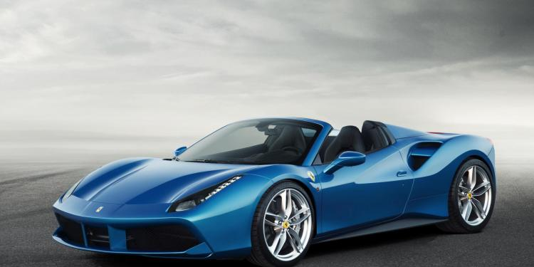 2016 Ferrari 488 Spider revealed