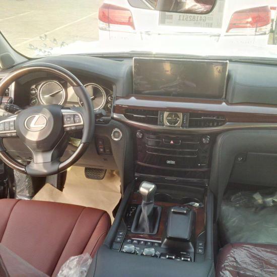 Refreshed 2016 Lexus LX 570 spied