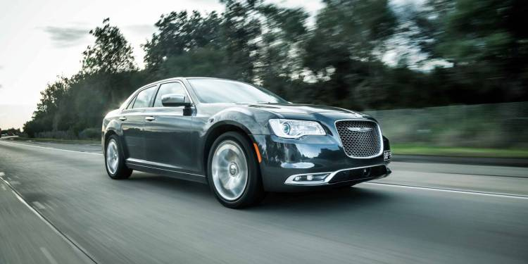 2015 Chrysler 300 arrives in Australia