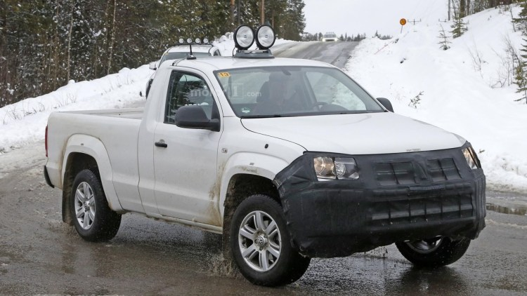 Volkswagen Amarok spied in Sweden.
