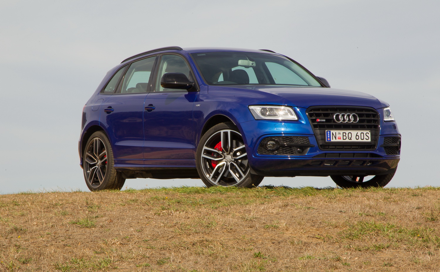 quick spin 2016 audi sq5 plus driving the fastest accelerating diesel suv on sale in. Black Bedroom Furniture Sets. Home Design Ideas