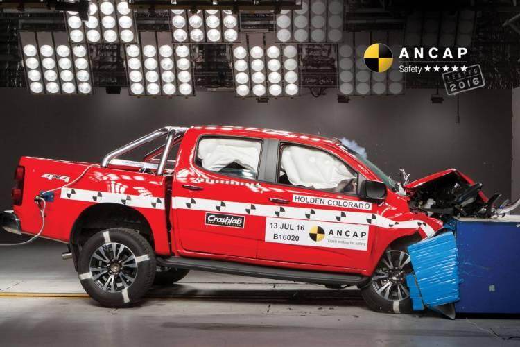 Holden Colorado score 5 star ANCAP rating