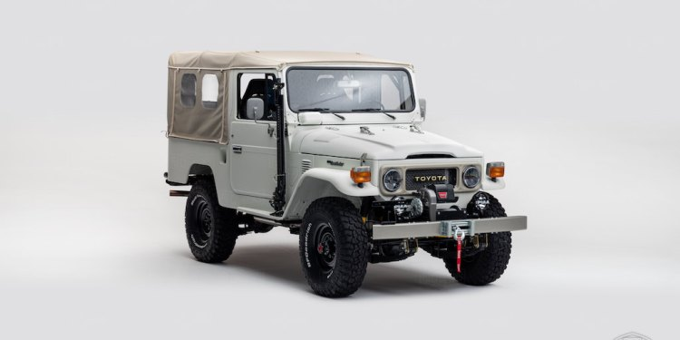 Modified Toyota LandCruiser FJ43 revealed at SEMA