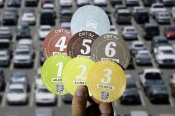 Crit'Air colour-coded stickers for diesel cars