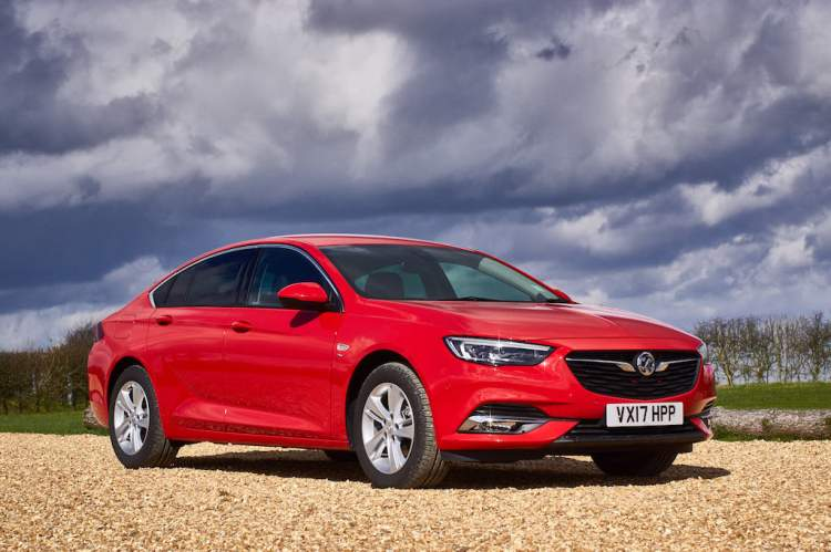 2018 opel insignia review 2018 holden commodore review practical motoring. Black Bedroom Furniture Sets. Home Design Ideas